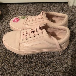 5ef4d439cc3 Vans Shoes - Blush pink old skool rose vans + hat bundle